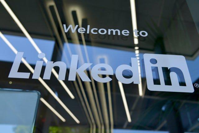 İş dünyasına açılan kapı LinkedIn