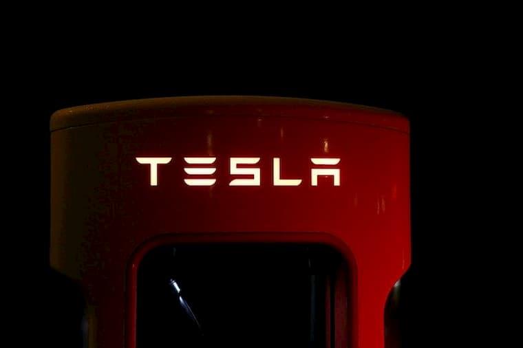 Tesla Yeni Beta Sürümü