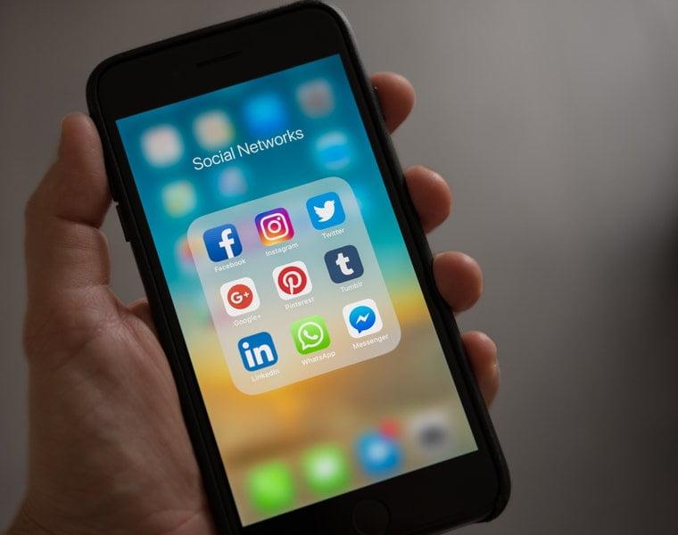 Sosyal Medya Şirketlerine Verilen Süre