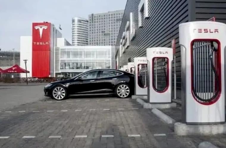 Çin'de Supercharger Şarj İstasyonu Açıldı