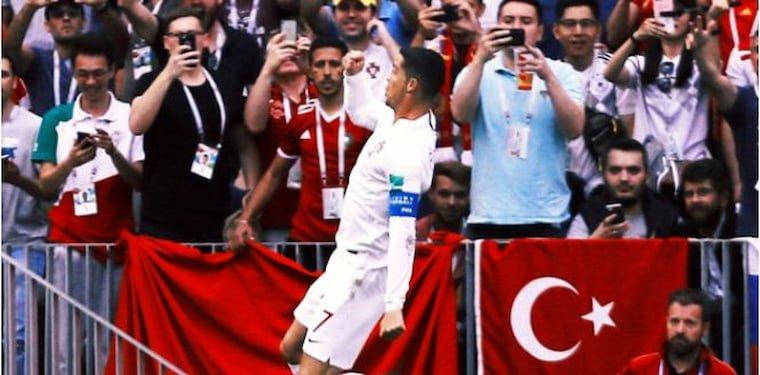 Cristiano Ronaldo Sosyal Medya Rekoru Kırdı